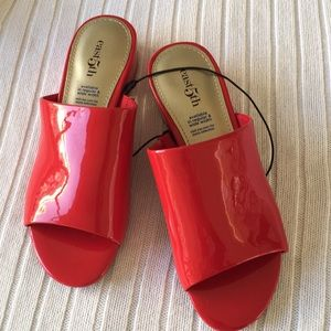 East 5th Red Patent Leather Mules/Shoes Size 5 NWT